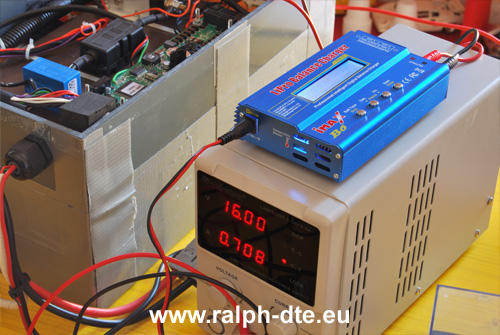 Connessione alimentatore da laboratorio, abbinato alla scheda dedicata per le celle agli ioni di litio, al singolo banco di celle in serie