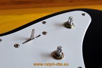 Chitarra elettrica rimontata